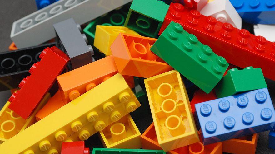 Lego parçaları zararlı mı? Altı araştırmacı yutarak test etti