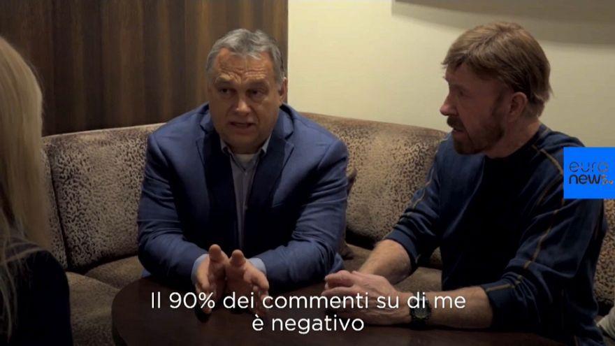VIDEO Chuck Norris e Viktor Orbán, la strana coppia