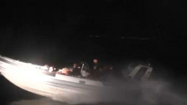 Καταδίωξη σκάφους που μετέφερε μετανάστες