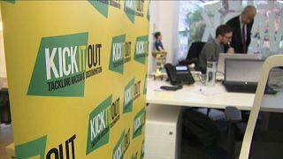 """A """"Kick it Out"""" promove a igualdade e a inslusão no futebol britânico"""