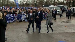 Leicester: William e Kate omaggiano le vittime del disastro aereo