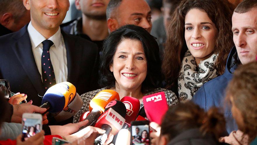 Präsidentenwahl in Georgien: Surabischwili vorn