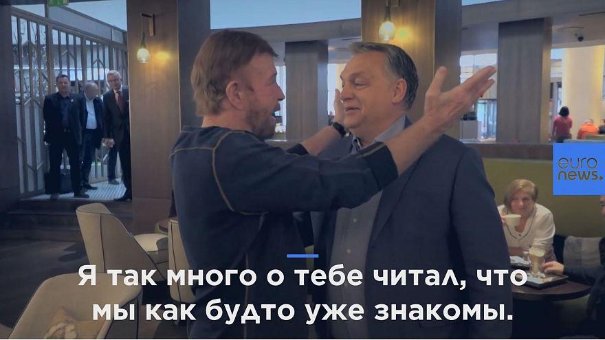 Венгерский премьер пожаловался Чаку Норрису на либералов