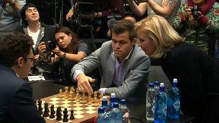 Carlsen retiene el título de campeón del Mundo de ajedrez