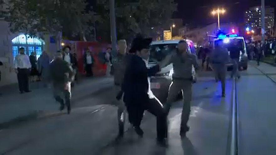 Hittársuk letartóztatása miatt tüntettek ultraortodox zsidók Jeruzsálemben