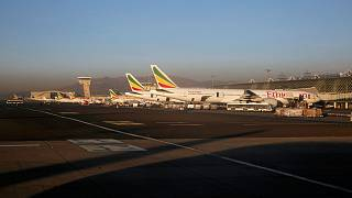 طائرات تابعة لشركة الخطوط الجوية الاثيوبية تربض في مطار أديس أبابا الدولي