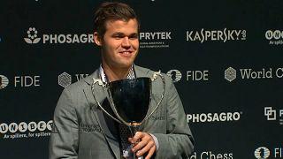 Magnus Carlsen erneut Schach-Weltmeister