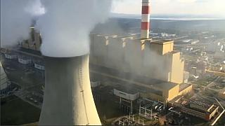 Greenpeace stages chimney top protest at Polish coal power plant