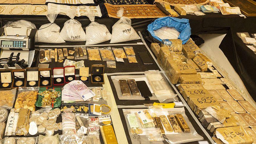 Προφυλακιστέοι οι δύο «συναρχηγοί» για το κύκλωμα λαθρεμπορίας χρυσού