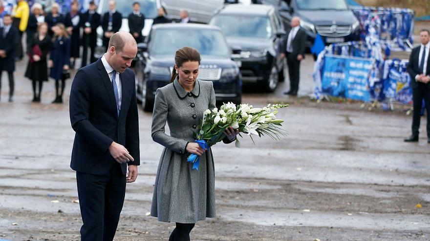 Watch: Duke and Duchess of Cambridge pay tribute to Leicester City helicopter crash victims