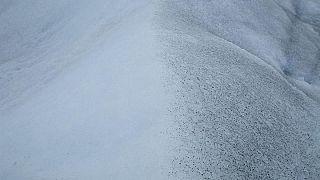 إكتشاف فوهة نيزكية عملاقة في غرينلاند تقبع تحت كتلة جليدية بعمق 800 متر