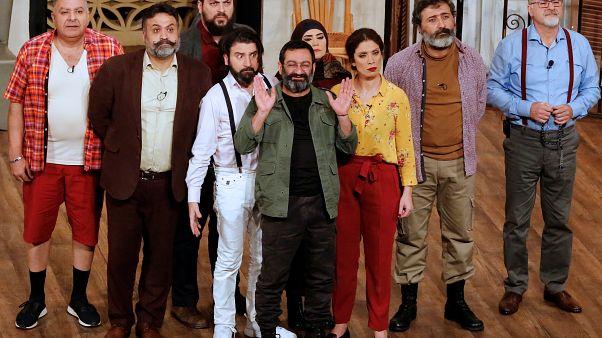 """بين الواقع والفن.. لبنان مبنى متداع معرض لخطر الإنهيار في مسرحية """"إلا إذا ... تغير شي """""""