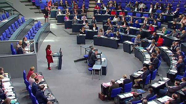 """Bundestag sagt """"Ja"""" zu UN-Migrationspakt"""