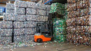 Kiderült, mennyi műanyagot hasznosít újra Magyarország