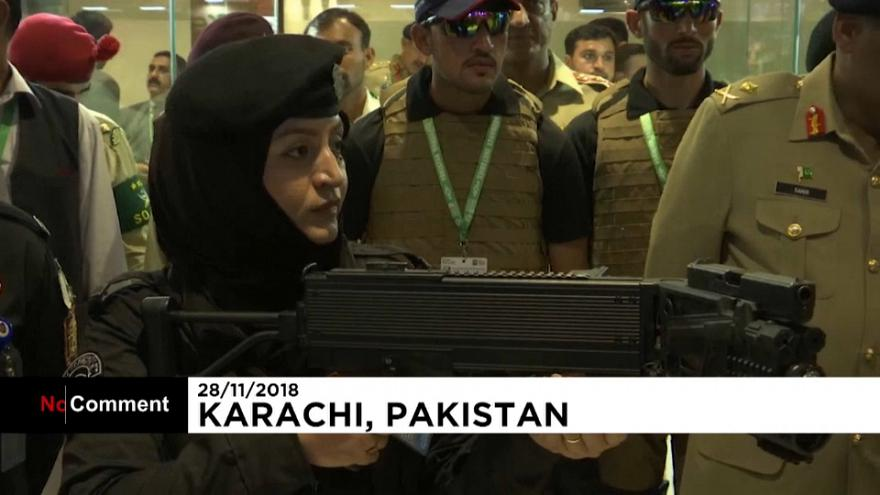 """باكستان: إطلاق طائرة """"البراق"""" خلال افتتاح معرض كراتشي الدولي"""