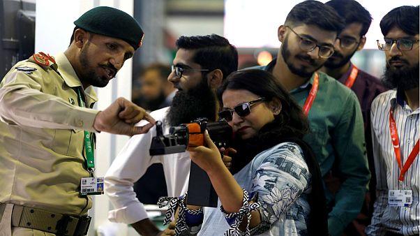 بزرگترین نمایشگاه تسلیحات پیشرفته پاکستان در کراچی برگزار شد