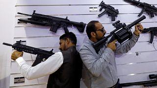 Έκθεση όπλων στο Πακιστάν