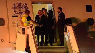 G20: Macron accolto in Argentina da... un gilet giallo!