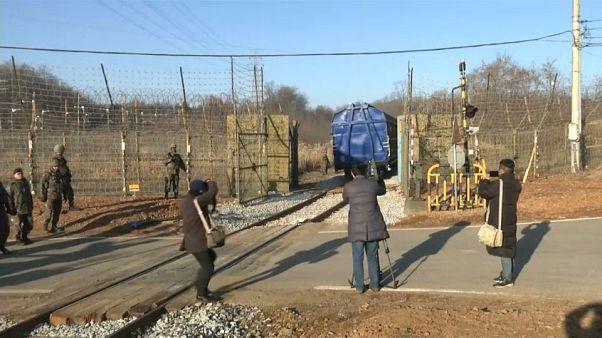 شاهد: الكوريتان تعملان على إعادة ربط سكة حديدية دعما للتقارب بينهما