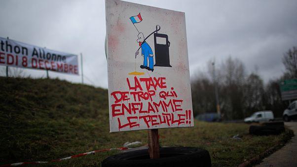 """Les """"gilets jaunes"""" gagnent des points avant Paris acte III"""