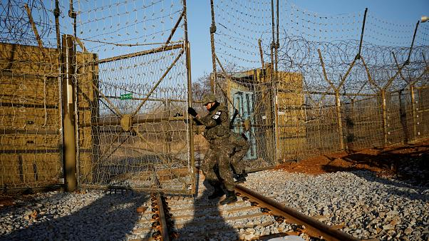 Νοτιοκορεάτικο τρένο πέρασε στη Βόρεια Κορέα