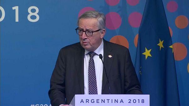"""Juncker: """"Non siamo in guerra con l'Italia"""""""