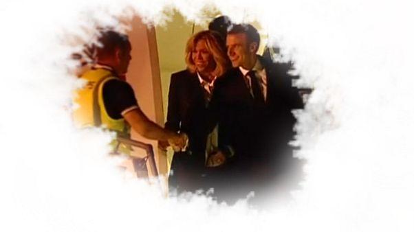 Sie sind überall! Macron schüttelt Gelbweste die Hand – an ungewöhnlichem Ort