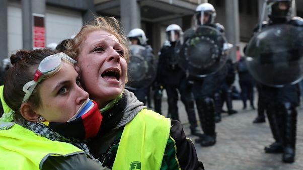 """Protestos dos """"coletes amarelos"""" chegam a Bruxelas"""