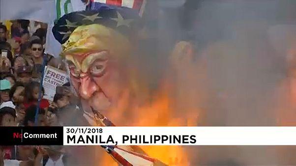 Elégették a Trump-bábut Manilában