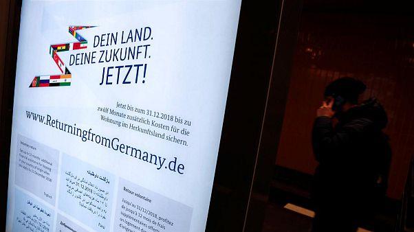 رجال أعمال ألمان يطالبون الحكومة بإلغاء حملة تشجيع المهاجرين على العودة لبلادهم