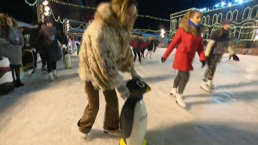 Megnyílt a jégpálya a moszkvai Vörös téren