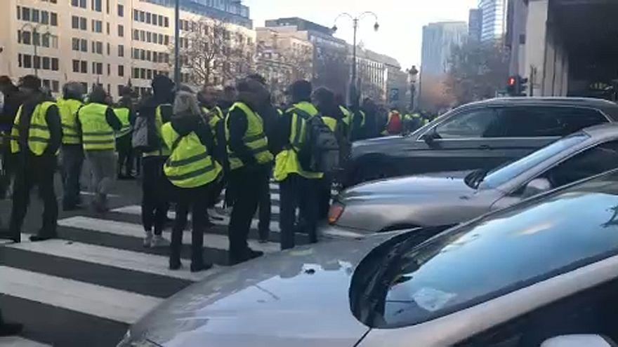 Brüsszelben törtek-zúztak a sárgamellényesek