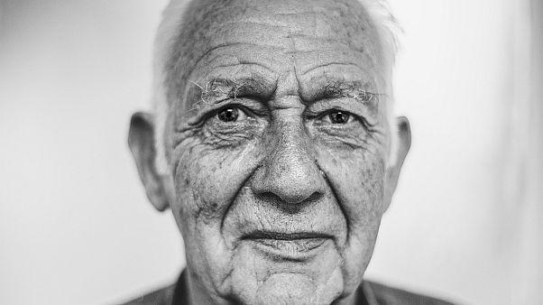 إيطاليا: رسميا.. كبار السن هم من بلغوا سن ال75 وأكثر وما دون ذلك فهو الشباب والحيوية