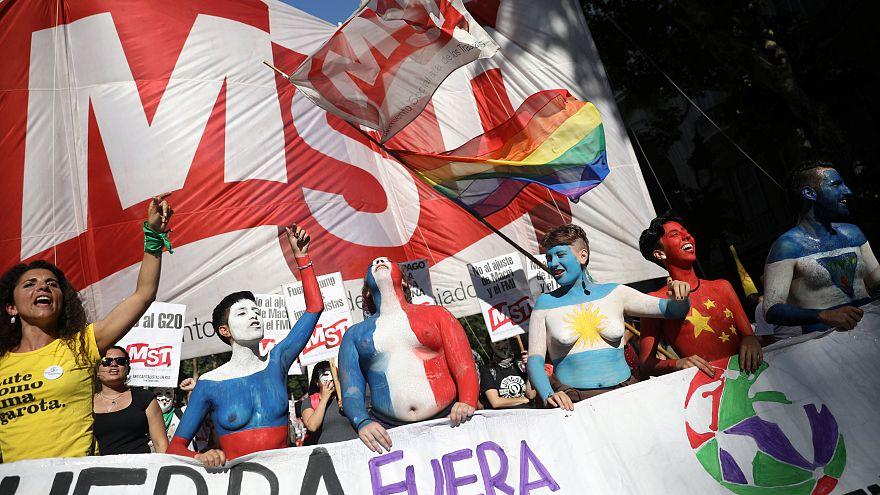 Ni el terremoto ni la policía acallan las protestas contra el G20 en Buenos Aires