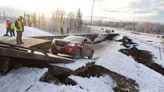 На Аляске сразу два землетрясения