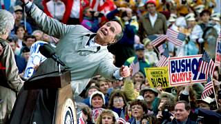 """الرئيس الأميريكي الراحل جورج بوش """"ألأب"""" خلال حملة انتخابية في ويسكونسن 1992"""