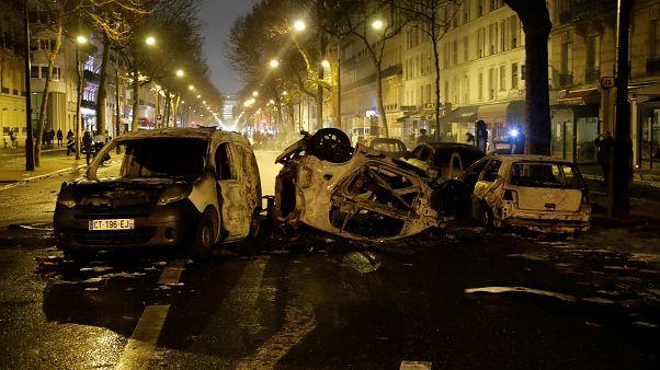 باريس: اعتقال 400 شخصا وإصابة 113 خلال مظاهرات السترات الصفراء