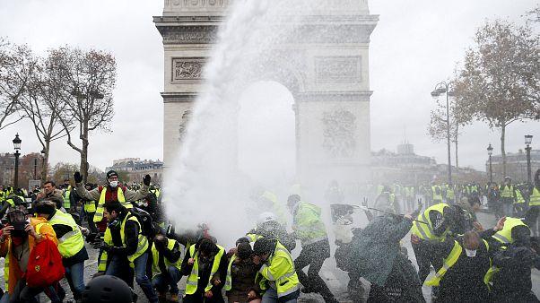 """Gelbwesten in Paris: """"Sind entschlossen"""""""