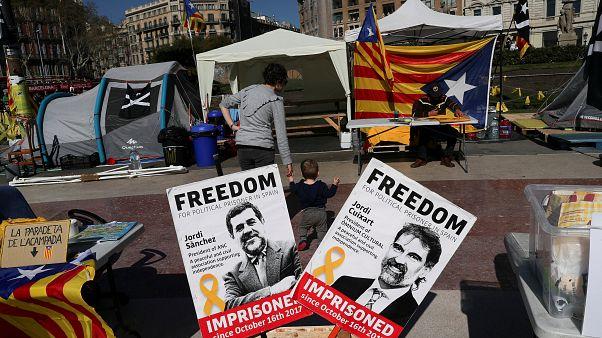 Catalan separatist leaders go on hunger strike
