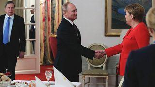 Rusya lideri Vladimir Putin, Almanya Başbakanı Angela Merkel