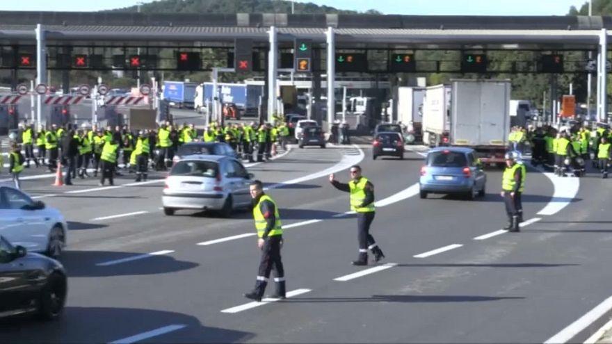 """""""Gilets jaunes"""" : une colère palpable dans toute la France"""