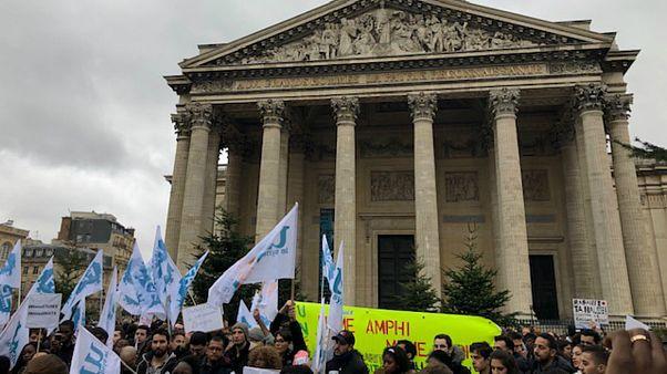 اعتراض دانشجویان غیراروپایی در پاریس به طرح پولی کردن دانشگاه