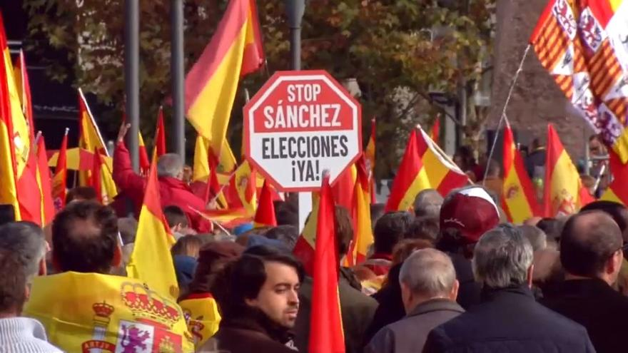 Nationalists in Madrid demonstrate against Catalan independence movement