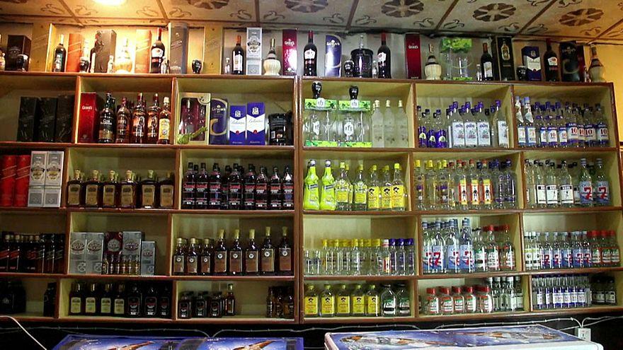 Visszatértek az alkoholt árusító üzletek az iraki Moszulba