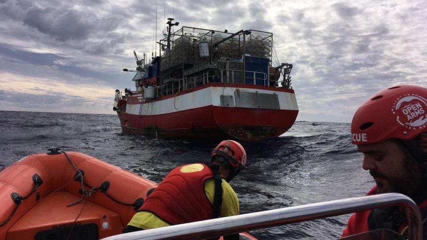 Los 11 migrantes rescatados por el pesquero español serán transferidos a Malta