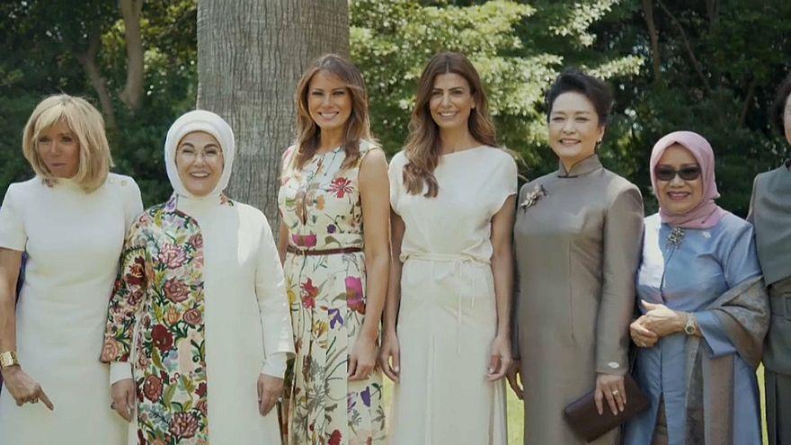 شاهد: قرينات قادة قمة العشرين في ضيافة سيدة الأرجنتين الأولى الحسناء اللبنانية