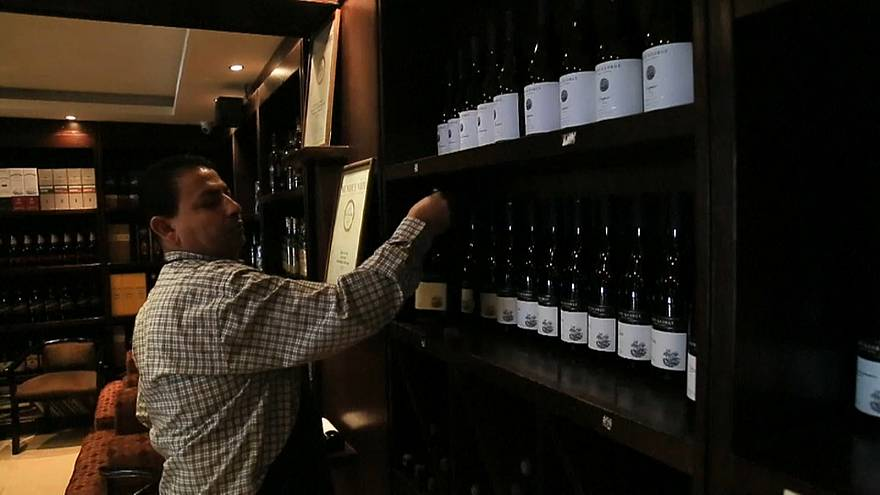 أردنيان يجهدان لوضع اسم المملكة الهاشمية على خارطة الدول المنتجة للنبيذ والمصدرة له