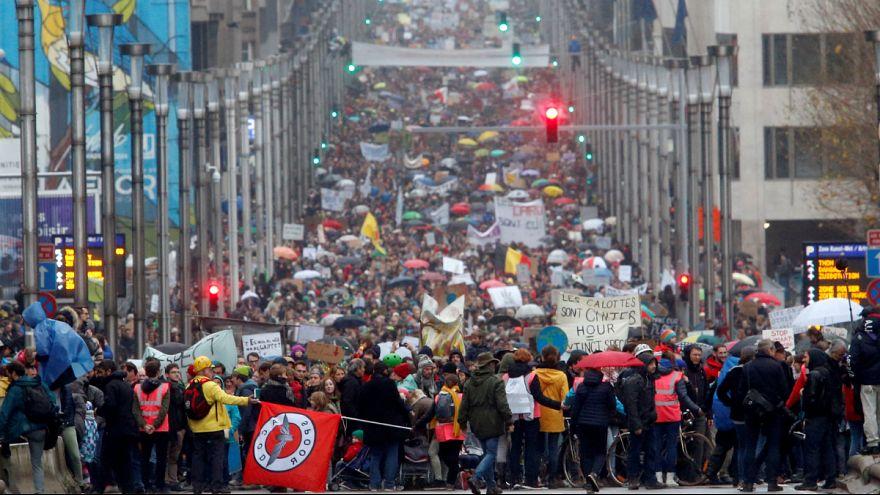 بروکسل؛ راهپیمایی بزرگ فعالان محیط زیست