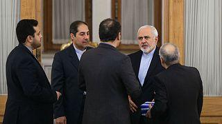 تاکید دوباره ظریف: برخی از گروهها در ایران از پولشویی سود میبرند