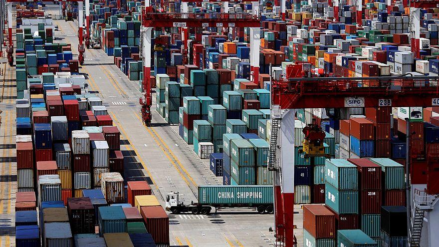 """ترامب: الصين توافق على """"خفض وإلغاء"""" الرسوم الجمركية على السيارات الأميركية"""